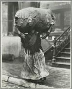 A tenement gleaner, New York City (1900-1937). Lewis Wickes Hines. NYPL.