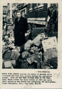 1968 New York Mayor John Lindsay Surveys Sanitation Strike. Wire Photo.