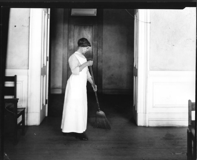 "1921: ""The Correct Postures for Housework"""