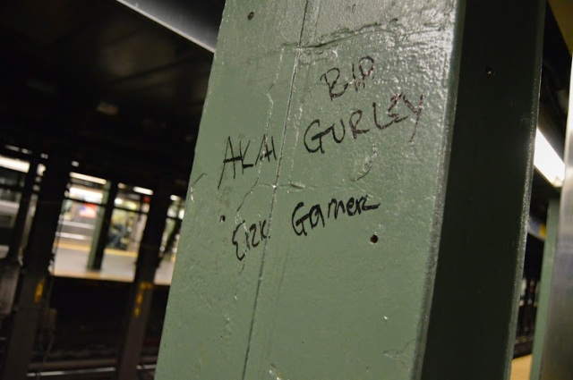 Graffiti in NYC subway in honor of Akai Gurley & Eric Garner. Photo by Lauren Giaccone  (CC BY 2.0)